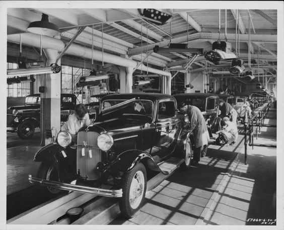 1932 Final assembly of the Fords at the Dearborn Ford plant.