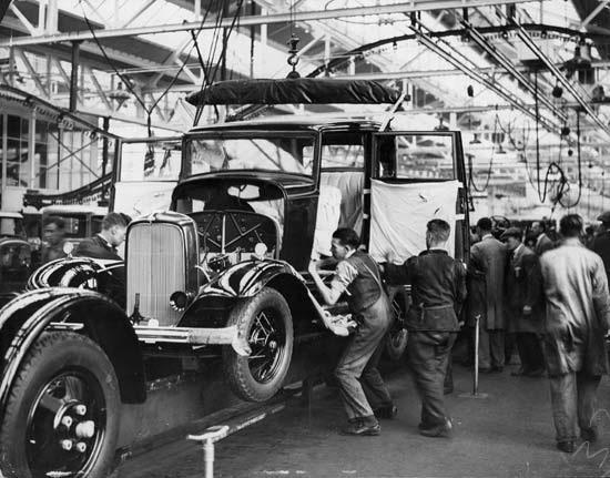 Ford Dagenham, England 1932.