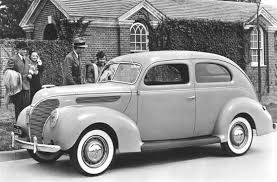 1938 Ford V8 Tudor De Luxe.