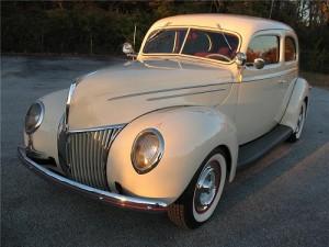 1939 Ford V8 Tudor De Luxe 91A.