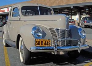 1940 Ford V8 Tudor De Luxe. Credit to AllCarCentral.com.